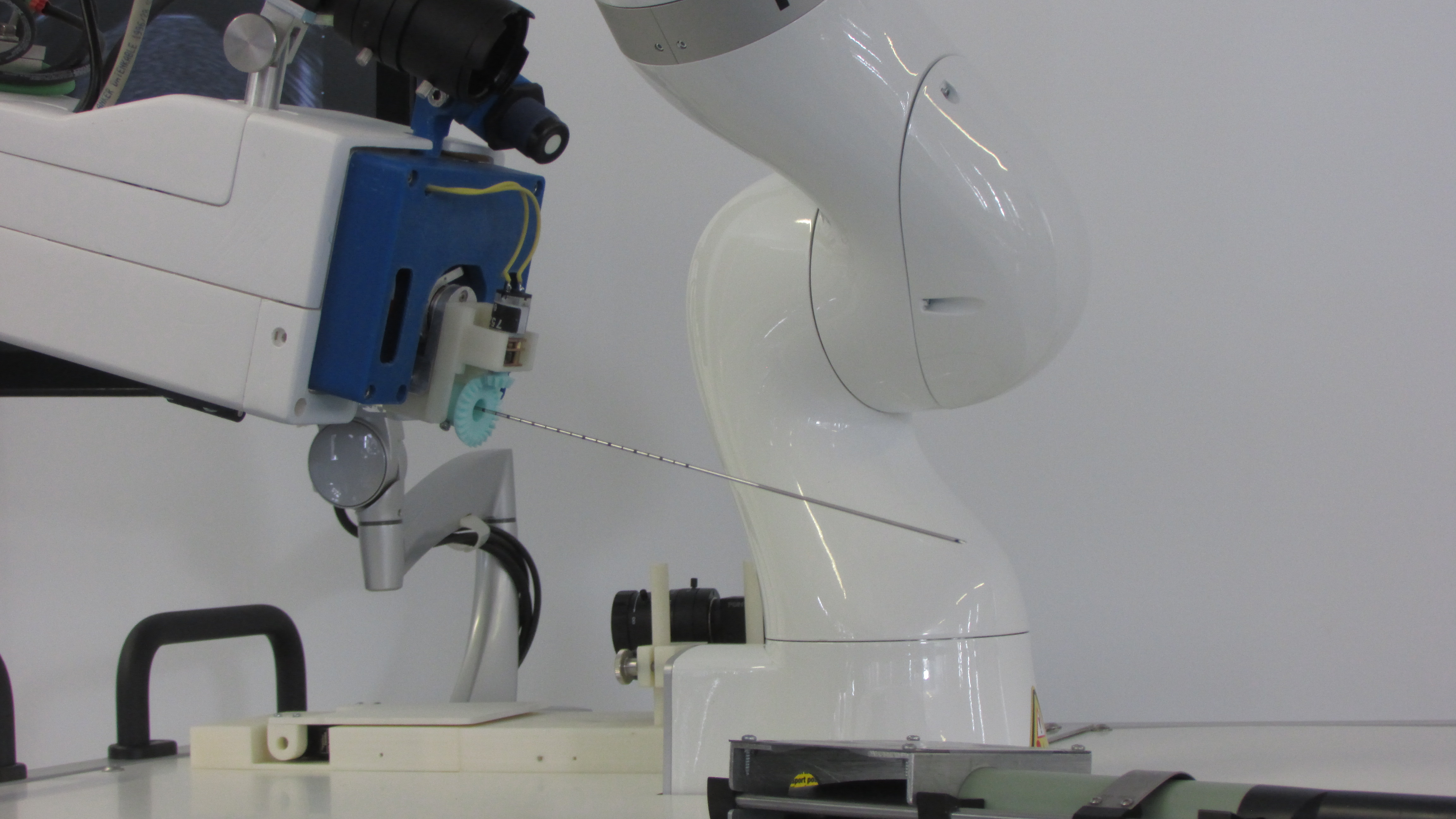 cancer diagnosis, cancer treatment, localized cancers, medical, robot prototype, new medical robot prototype, robot prototype, brachytherapy, brachy therapy, brachythérapie, brachytherapie, brachy therapie, brachithérapie, brachi thérapie, robot for biopsy, biopsy, biopsie, prototype biopsie, interreg 2 seas, interreg2seas, interreg 2seas, interreg 2seas project, cross-border partnership, cross border partnership, enhance patient quality of life, patient quality of life, reduce cancer mortality, cancer mortality, prostate, prostate cancer, soft tissues cancer, technique better tolared by patients, technique tolared by patients,, radioisotopes, radio isotopes, ionizing radiation, cobra, cobra project